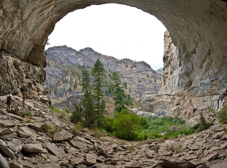 Vail Cave